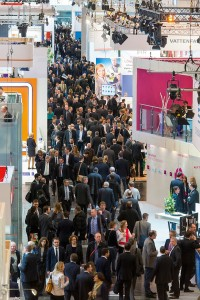 Fig. 1/2.  The 2015 E-world energy & water trade fair in Essen. Bild 1./2  Fachmesse E-World energy & water 2015 in Essen. Photos / Fotos: DMT